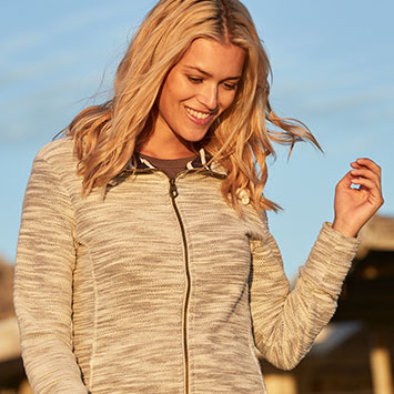 Shop Women's Fleeces & Midlayers